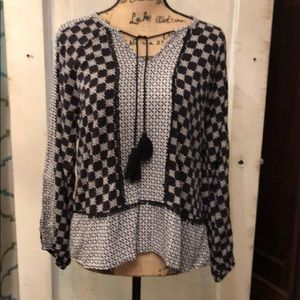 Beautiful Black & Whit Print Top